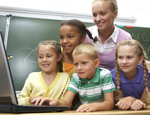 gi-ind-kids-teacher-laptop